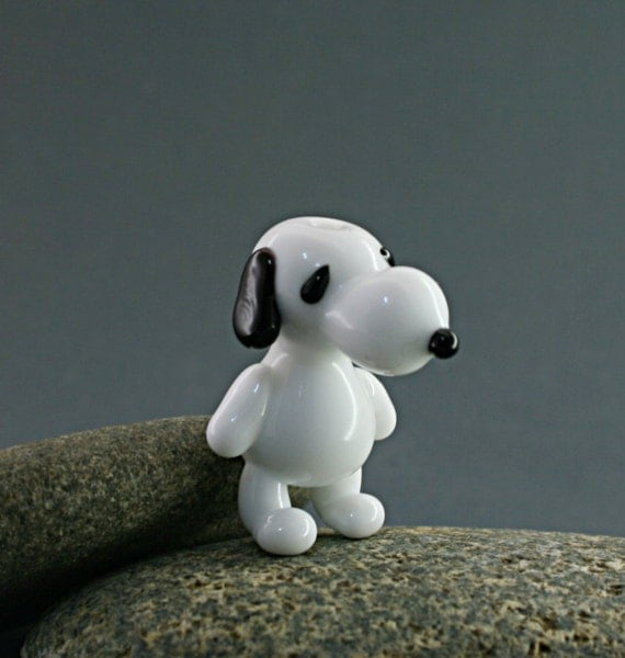 Snoopy dog miniature sculpture figurine bead necklace / fairy garden supply kit terrarium accessory glass lampwork tiny animal pet cartoon