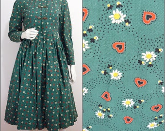 Folksy VINTAGE 1970s Bohemian Victorian Look Green Hearts and Flowers High Neck Dress UK 10 FR 38 / Cotton / Country Folk / Shaker
