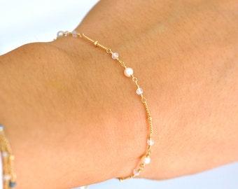 14K Gold. Moonstone & Freshwater Pearl Bracelet in 14KYG , Delicate Gold Bracelet, June Birthstone Jewelry, Holiday Gift for Her, Weddings