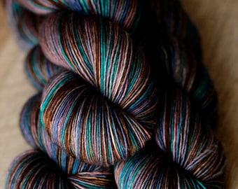"Shawl length single yarn- 65/20/15 SW Merino/Silk/Yak - Autocorrect - ""Desparate For A Primate"""