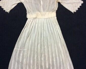Dreamy Delicate white dress 1910