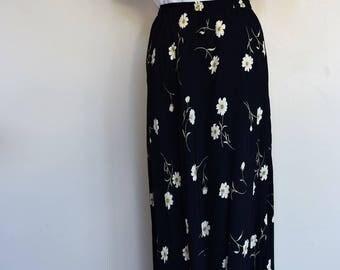 salvation armani vintage daisy skirt - black skirt with ivory daisies - daisy skirt - vintage floral skirt - elastic waistband