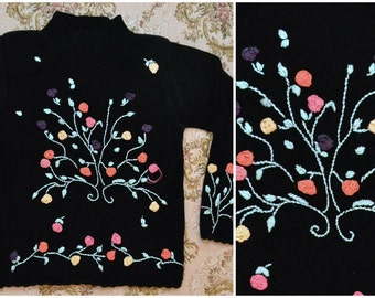 Vintage 90s Velvet-y Super Soft Knitted EMBROIDERED Floral Plant Roses Turtleneck Sweater