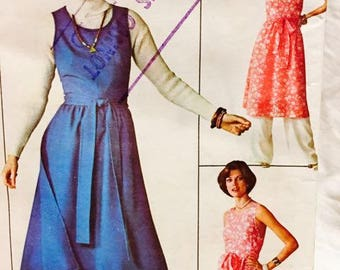 Simplicity 1976 Jiffy Wrap Dress , Jumper, Pants