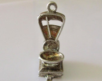 Silver Shop Scales and Weight Opening Charm