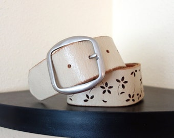 Vintage 1980s Folk  Perforated Cut-Out Floral  Ivory White  Leather Cinch Waist  Belt 28 29 30 31 32