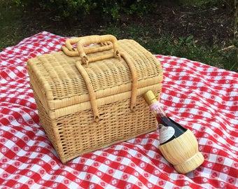 Picnic Basket ~ Vintage Wicker Lidded Basket