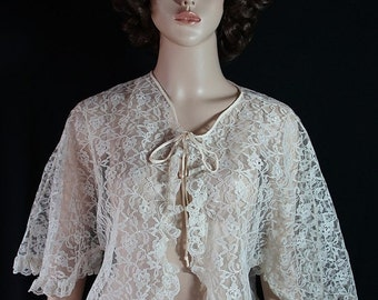 40%OFFSALE Pin Up Lingerie Lace Robe Bed Jacket Pearls and Lace Deadstock
