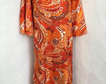 Vintage mod orange paisley print wrap kaftan one size Leisure Lovers California