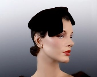 Brown Velvet Fascinator Sculptured Hat 1940's Vintage Designer I Magnin Women's Accessories