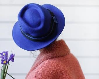 Vintage bright blue wool felt black ribbon bow wide brim men women fedora hat