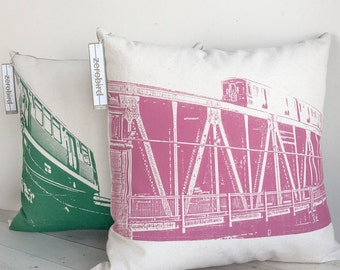 "18"" West Loop Pillow Set"