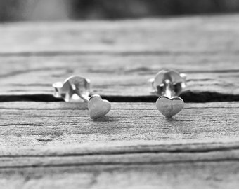 Cute Vintage 4mm 925 Sterling Silver Heart Studs