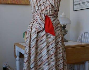 Vintage 1970s Wrap Dress / Shannon Rodgers for Jerry Silverman / Chevron Stripe Dress V-Neck Dress Belted Dress / Disco Boho Style / XS or S