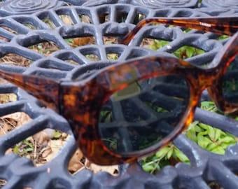 Funky Retro Vintage Tortoiseshell Sunglasses