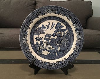 Churchill Blue Willow Dinner Plate, Staffordshire England