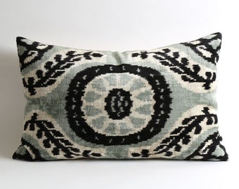 velvet pillow, decorative pillow, ikat, ikat pillow, velvet, throw pillow, pillow cover, accent pillow, velvet ikat pillow, pillow,handmade