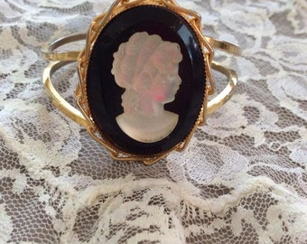 Vintage 1960s Bracelet Clamper Cuff Large Cameo Plastic/Resin Unsigned