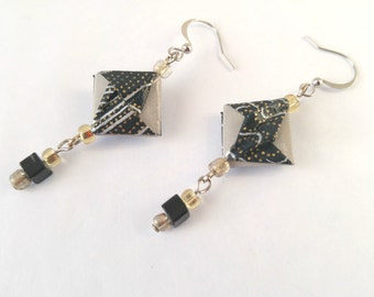 Origami earrings | Black & gray | Paper jewel | abstract | Modulo | CLREANCE |
