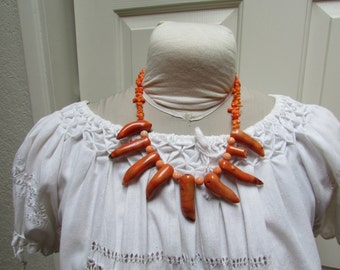 Vintage large tribal style coral shell statement necklace