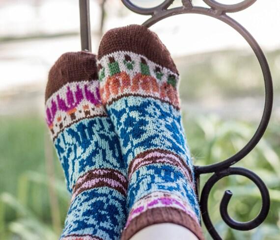 Knitting pattern: Wildflower Meadow Socks (Cuff down) fair isle ...