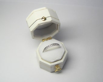 Antique Style White Engagement Ring Box