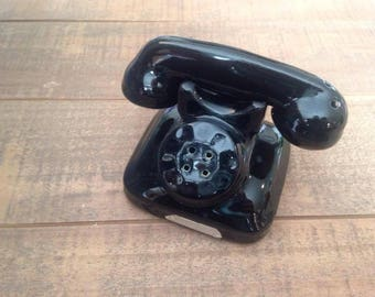 Black Rotary Phone Salt and Pepper Shakers, Vintage Phone, Rotary Phone, Vintage Salt and Pepper Shakers, Vintage Kitchen