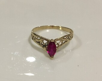14k Yellow Gold Filagree Pear Shaped Ruby Ring ~ Size 7
