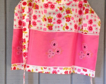 Vintage Pink Flowered Apron, Kitchen Flowered Half Apron, Pink apron with embroidery
