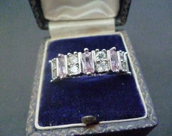 A lovely sparkly silver and CZ pink ring - 925 - sterling silver  - UK R - US 8.75