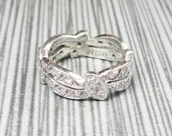 Vintage Diamond Ring 14k Gold Diamond Ring Diamond Band Stackable Diamond Ring Diamond Wedding Ring Eternity Band White Gold Wedding Band