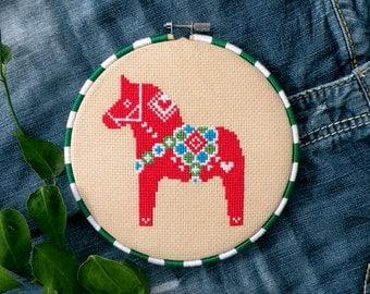 Christmas Cross Stitch Pattern Chart PDF – Swedish Red Dala Horse – Nordic Folk Art Ornament – Scandinavian - Holiday Gift – Christmas Craft