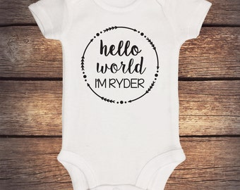Hello World Onesie - Customized name - Short Sleeve Bodysuit - Coming Home Outfit - Baby Shower Gift - Hospital Outfit - Take Home Outfit