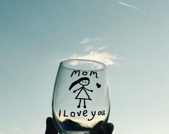 Glass For Mom, I love you Mom Wine Glass, Mom Birthday Gift, Mom Mothers Day Gift, Wine Glass For Mom, Stemless Wine Glass Mom, Cute Wine