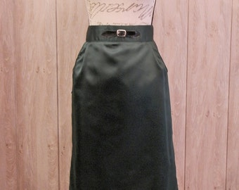 Pin up pencil skirt with pockets.