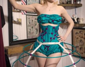 Crinoline hoop skirt. cage skirt. pannier. 3 hoops. adjustable tie waist