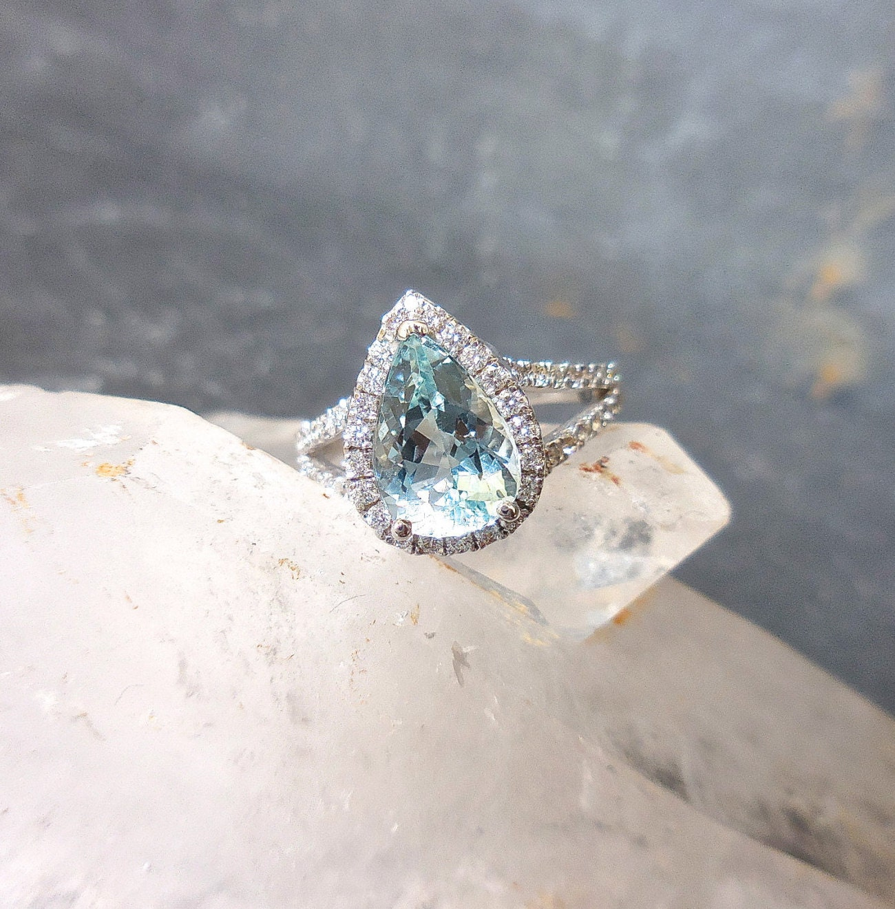 pear aquamarine ring aqua engagement diamond halo split. Black Bedroom Furniture Sets. Home Design Ideas