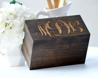 Personalized Recipe Box, Wood Recipe holder, Monogrammed Recipe Box, Farmhouse Kitchen Decor, Custom Wedding Gift, Christmas Gift for Mom