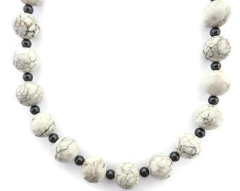 Chunky White Necklace, White Stone Necklace, White Beaded Necklace, Black and White Necklace, White Turquoise Necklace, Howlite Gemstone
