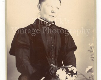 Cabinet Card Photograph of Victorian Woman holding Flowers - M. J. Scallan Cape Town South Africa