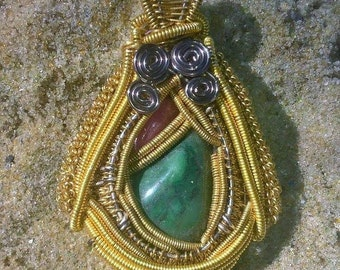 Rhondite and nephrite pendant