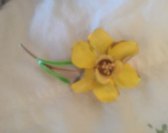 Vintage metal yellow flower pin