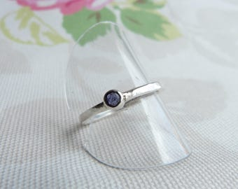 Sterling Silver Iolite Solitaire  Ring with Hammered Band.  Violet Blue Iolite. Size R.