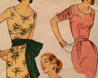 Gorgeous Vintage Sheath Dress with Shirred Sleeves and Sash---Simplicity 4298---Size 12  Bust 30