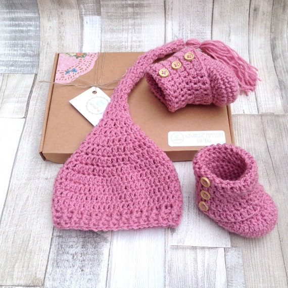 Baby shower gift, Pink booties and hat, Newborn gift, 0-3 3-6 months, dusty pink, pixie stocking hat, crocheted baby set, baby clothes