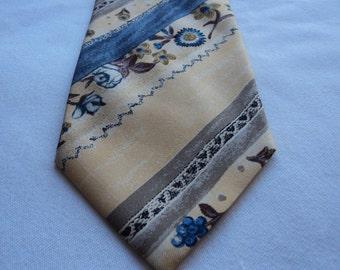 REDUCED - Vintage Carlo Swaltt Milan Paris pure silk tie  (03853)
