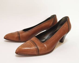 Jordache Leather Caramel Stacked Heel Brogue Pumps