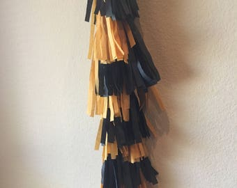 Noble Gold and Black, Royal, Crown, Queen, Prince, King Ballon Tissue Tassels