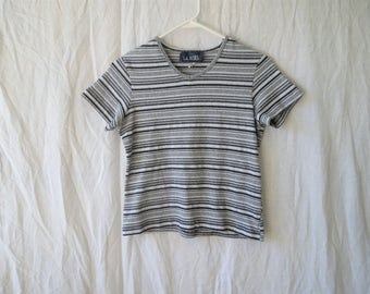 90s Textured Striped Grey Black and White Cropped T-Shirt