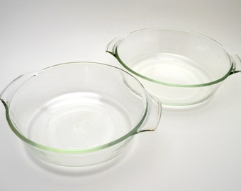 Set of 2 Vintage Fire King Clear Glass Bowls, 1.5 and 2 Qt Bowls, Anchor Hocking Oven Proof Bowls, 1970s